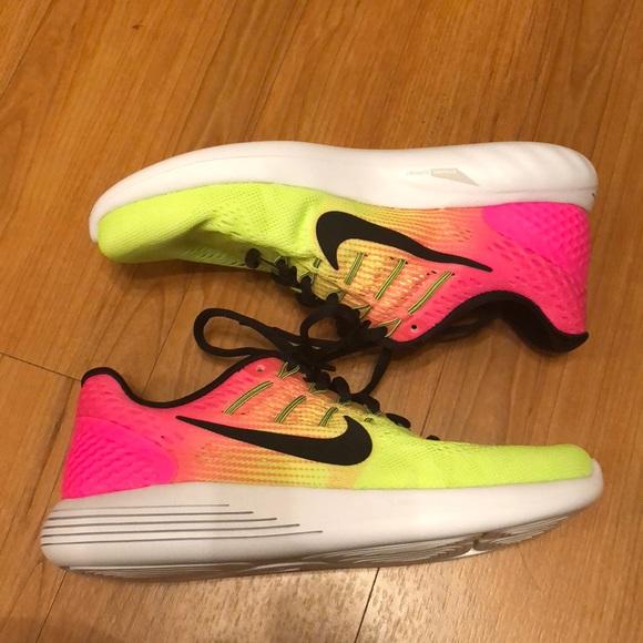 Nike Shoes   Nwot Nike Lunarlon Size 75